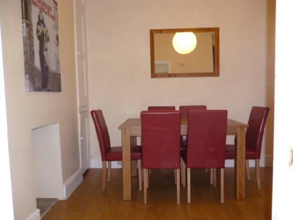 4015_147661_dining-room