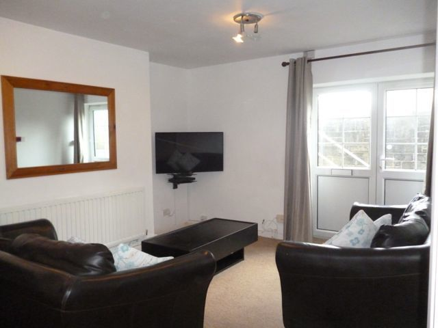 student flat to let North hill