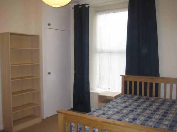 52565_29844_bedroom-1