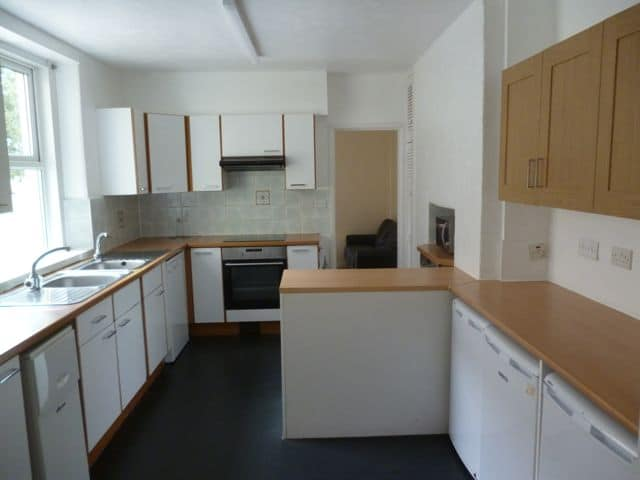 30 NRE Kitchen a