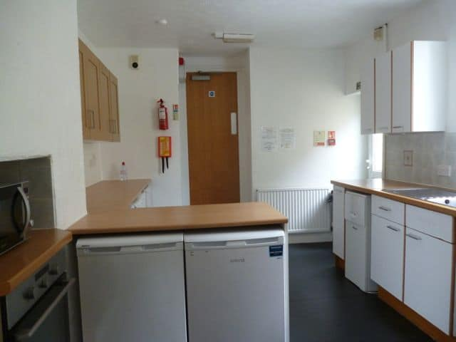 30 NRE Kitchen b