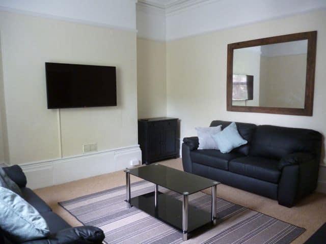 30 NRE Lounge a