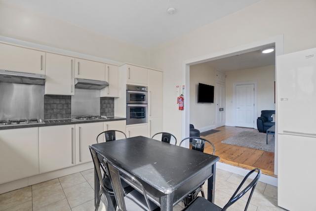 30 FPR Kitchen b