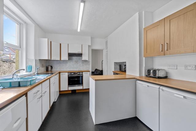 30 NRE Kitchen a