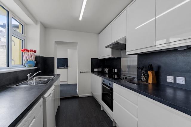 14 HPR Kitchen a